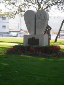 heart statue © Amairani Alamillo