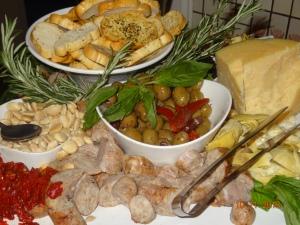 garlic bread and condiments