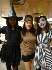 L-R: witch (Hanna), Snooki (Amairani), Mime (me)