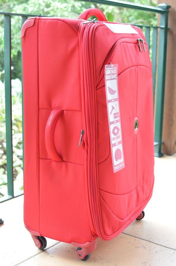 The 81cm suitcase, side view