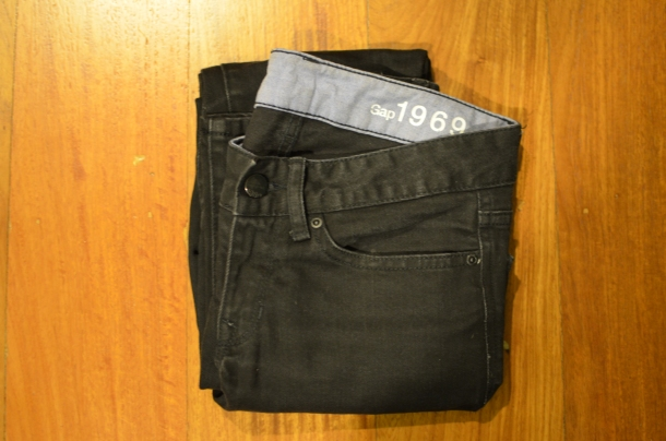 1 pair of black jeans