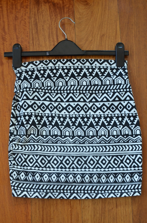 1 patterned skirt