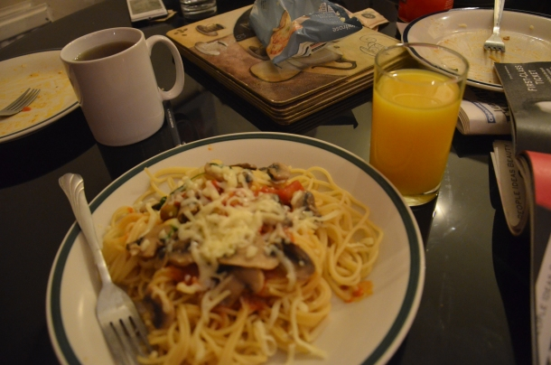 the pasta with a mug of tea & a glass of orange juice