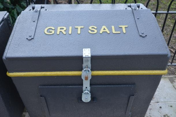 grit salt container?