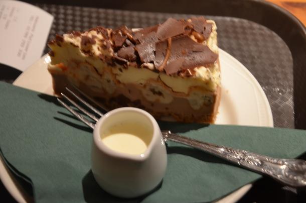 Notsile's cake + cream
