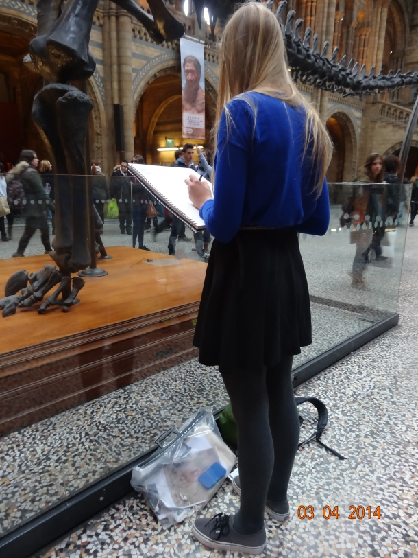 artists sketching