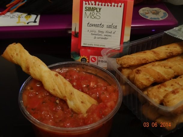 pre-39 Steps meal: cheese breadsticks and salsa