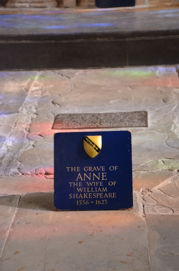 Anne Hathaway's grave
